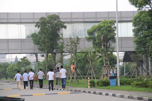HTC上海工厂停工一个月 苹果代工厂借机抢人