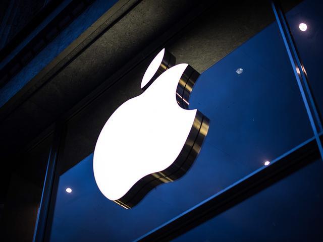 苹果申请数据交换新专利 手表用户握手即可传输数据