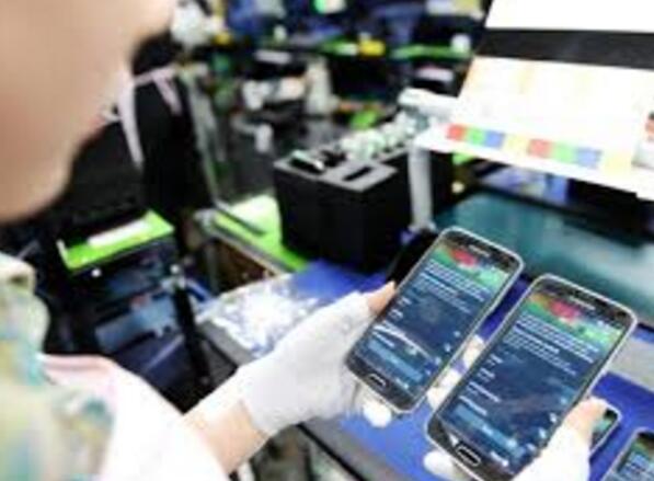 """手机制造业""""西进"""":多地争夺下的版图拼接"""