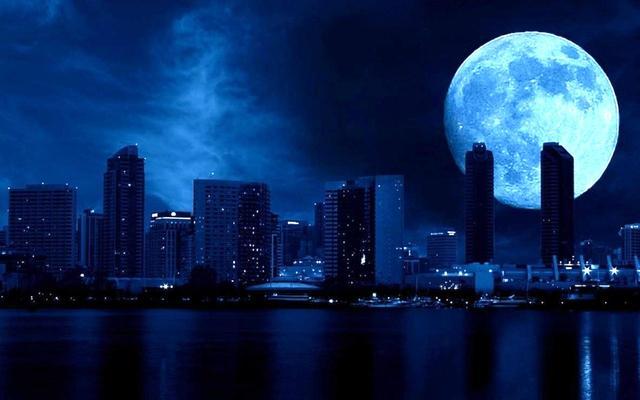 别错过!罕见蓝色月亮美景月底来袭