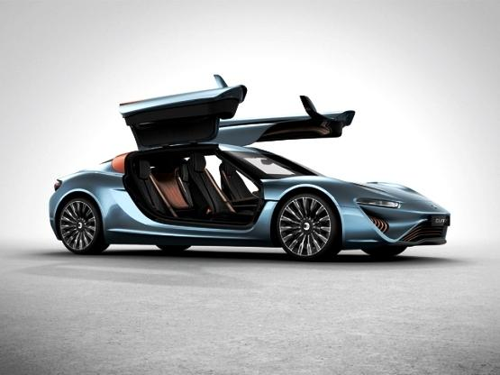 未来高科技汽车:能上天能入海 不烧汽油不用电