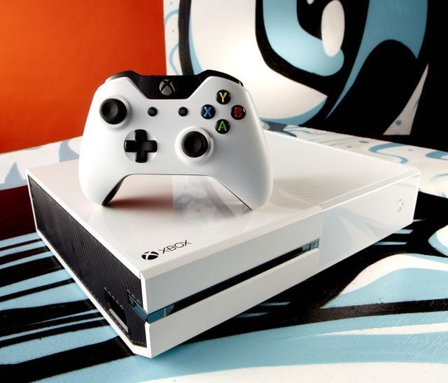 """微软Xbox击败PS4  主导""""黑五""""游戏机市场"""