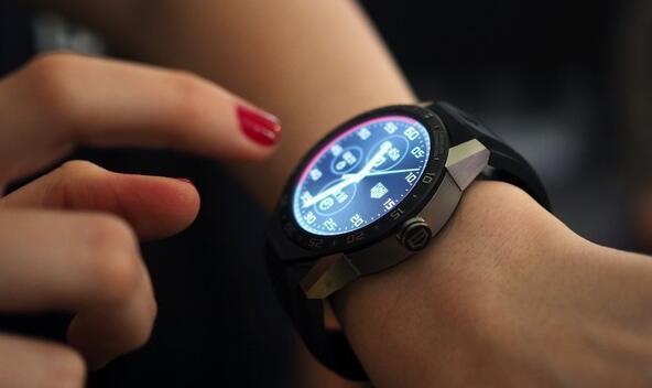 豪雅进驻硅谷,瑞士表业对智能手表开始认真了么?