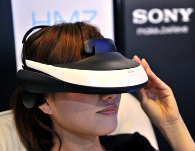索尼2014年发布的头戴式显示设备:Morpheus
