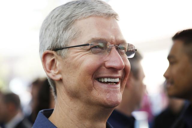 库克对苹果贡献已超过二次出山的乔布斯