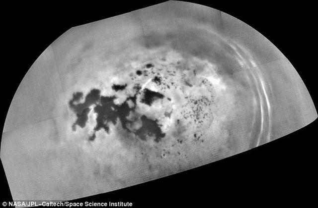 最新研究显示土卫六海洋释放大量氮气气泡