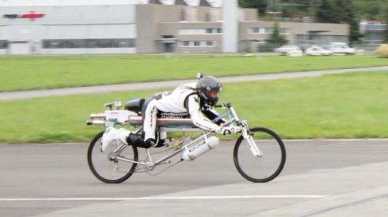 时速285公里的火箭动力自行车亮相 比汽车还快