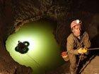地下1000米处世界上最深洞穴照