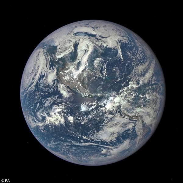 地球中年时期氧含量低使生命进化延迟20亿年