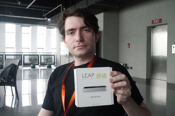 美3D体感控制器Leap Motion月底入华