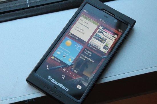 全球超50家运营商开始测试黑莓10手机