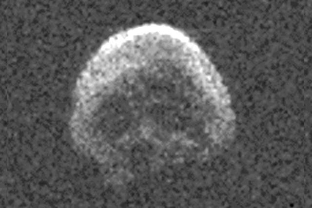 科学家发现造型诡异的小行星:如骷髅头