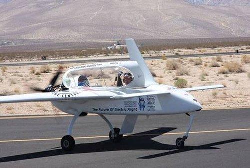 最快电动飞机问世 Long-ESA以326kph破记录