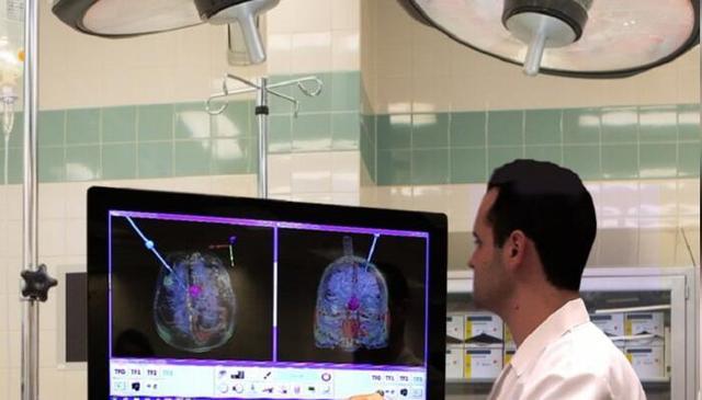 脑洞不够用了 AR医疗简直颠覆三观