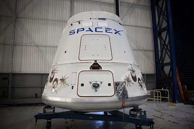 新太空竞赛:与蓝色起源仅隔1周 SpaceX也要回收火箭