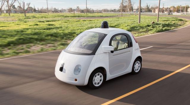 谷歌自动驾驶汽车智商又提高了:会朝行人鸣喇叭了