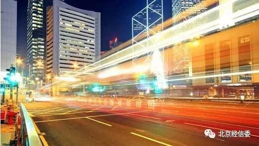 智能机器人助力智慧城市建设