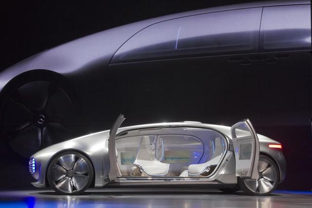 谁将主导未来汽车的标准?