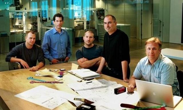 初代iPhone研发秘史:内部存在P1/P2两大团队竞争