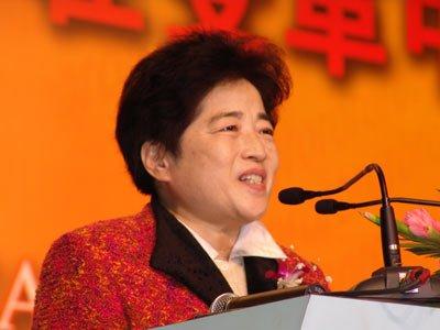 中国电子商务协会理事长宋玲,同时担任中国电子商务诚信委员会主席