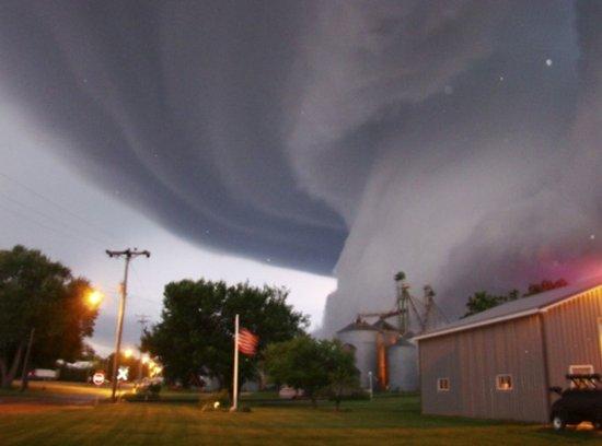 超强龙卷风一小时释放能量相当于8颗原子弹