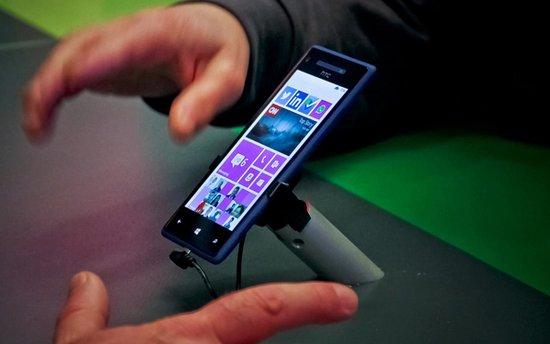 微软再次出手挖墙脚 将推iPhone换购WP手机活动