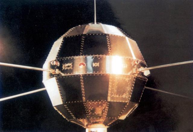 东方红一号发射46周年:工作28天 现仍在太空飞行