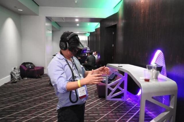 扔掉繁琐线缆!高通推一体化VR头盔 无需连接PC