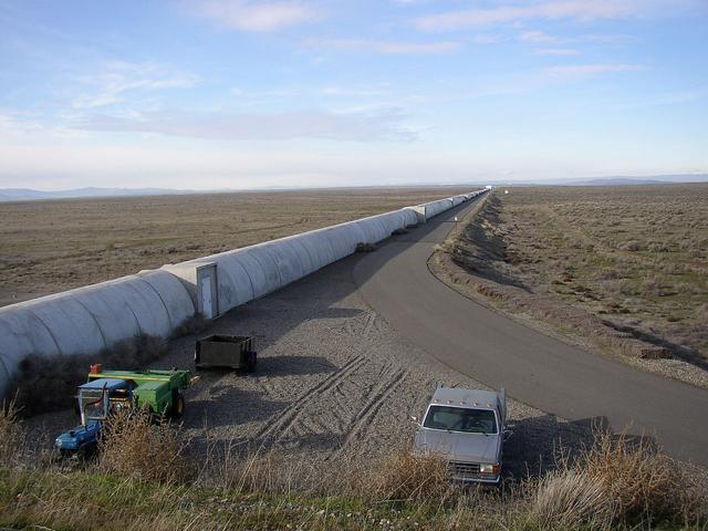 位于汉福德地区的LIGO观测站的北臂