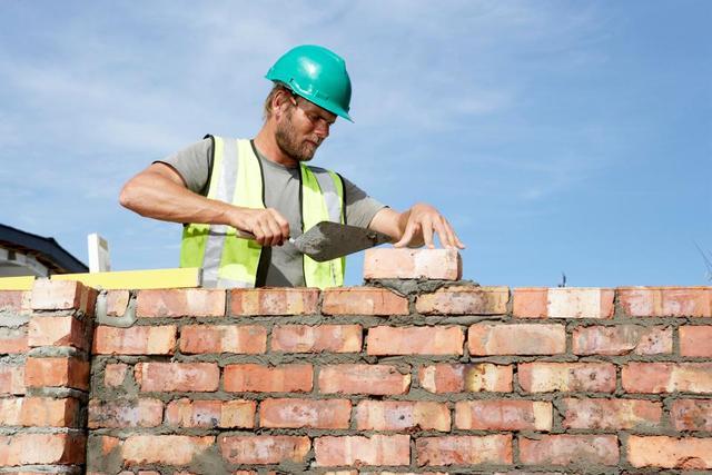 搬砖我只服它!英国机械人口砌墙速率确是人口工之六倍