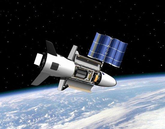 美国X-37B战机再推迟发射 酷似迷你航天飞机