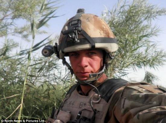 英国首位机械战士:大脑可完全控制机械手臂