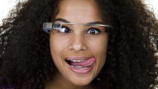 """谷歌眼镜遭遇疯狂吐糟 或难称""""划时代产品"""""""