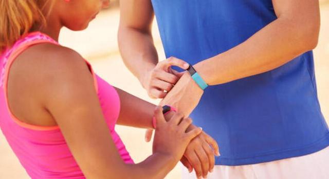 跟踪调查:手环计步无助减肥 九成用户一年后弃用