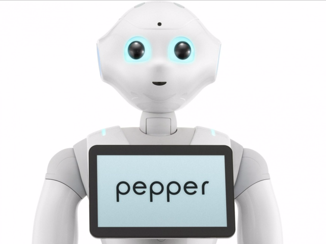 软银和IBM联合推出新版人形机器人Pepper