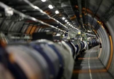 科学家称大型强子对撞机已接近神秘上帝粒子