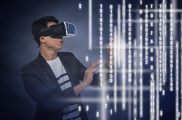 外媒发布2017年7大科技预言 VR、区块链等技术会带来哪些变化?