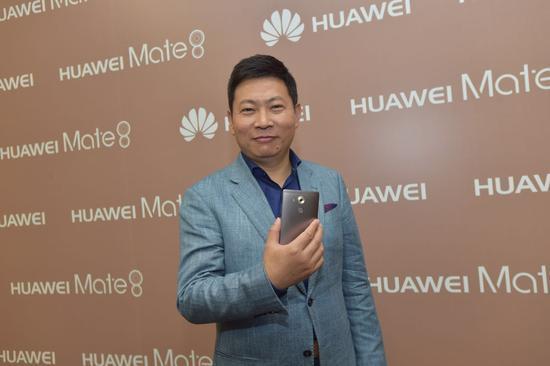 华为终端CEO余承东:明年超三星 后年超苹果