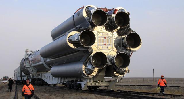 """俄副总理:三个半月后将恢复发射""""质子-M""""火箭"""