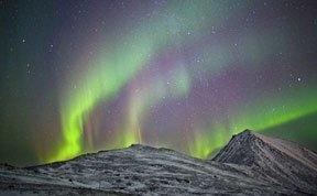 挪威壮观北极光似科幻电影