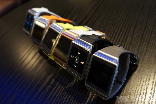 Galaxy Gear智能腕表(腾讯科技配图)