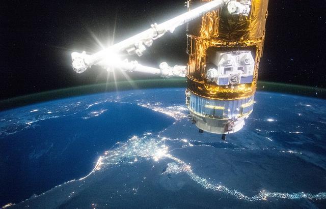 日本货运飞船首次尝试清除地球轨道垃圾失败