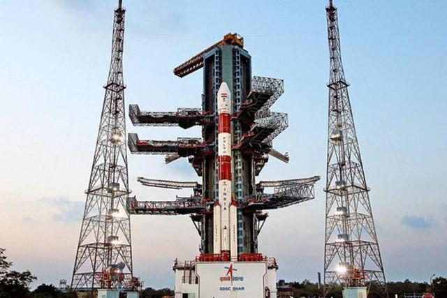 """印度航空机构准备下月底发射""""一箭10星"""""""