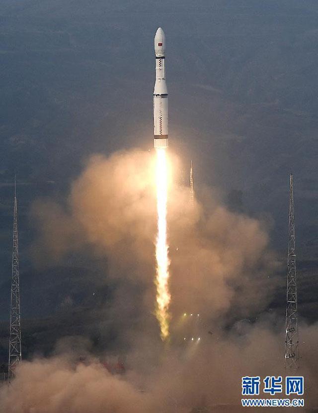长征六号今天7时1分成功首飞 一箭20星创纪录