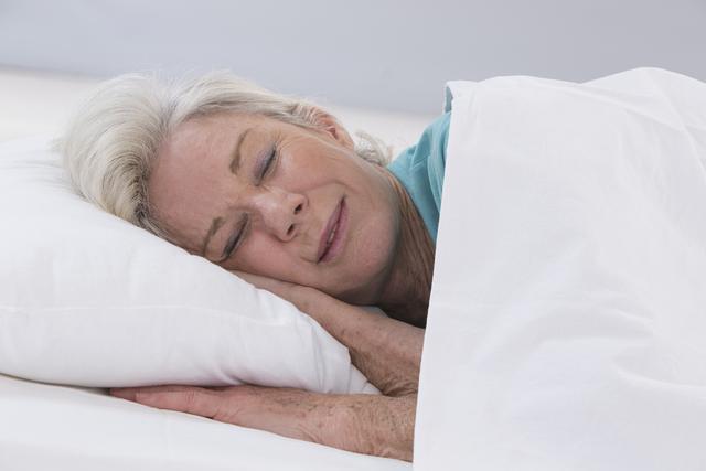 长睡和久坐带来的早死风险与吸烟酗酒相当