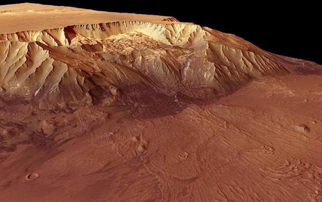 火星不太久远时期曾有洪流冲刷火星峡谷地形