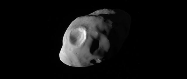 卡西尼号探测器拍摄到土卫十七最清晰图像