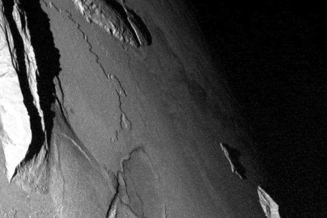 科学家发现木卫一拥有比地球还壮观的高山群
