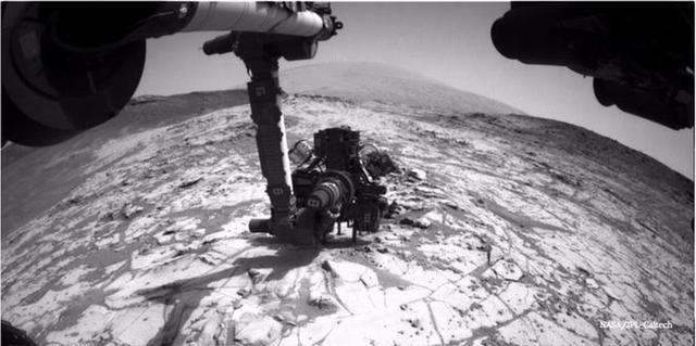 火星上的生命形式可能潜藏于岩石之下