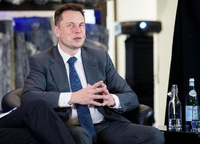 跟SpaceX的CEO马斯克一起工作会是怎样的体验?